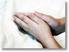237330 a childs praying hands
